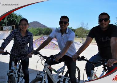 Profesores del CUCIÉNEGA sede Atotonilco en rodada de bicicleta