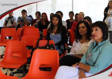 Alumnos y Académicos de las carreras de Psicología y Periodismo