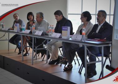 """Panel de ponentes del Segundo Coloquio """"Repensar la Teoría Social. Conceptos, teorías, paradigmas"""""""