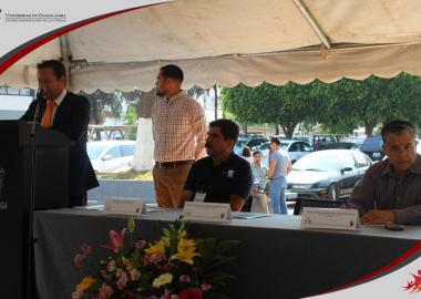 Presídium integrado por el Presidente Municipal Paulo Gabriel Hernández Hernández, Mario Gerardo Reyes Garcidueñas Jefe del Departamento de Negocios y Miguel Castro Sánchez Coordinador de Intercrea