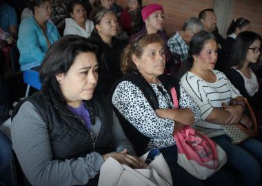 Padres de familia en conferencia con Autoridades Universitarias